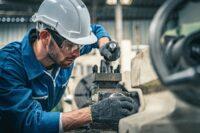Gefahren und Risiken bei der Instandhaltung von Maschinen reduzieren
