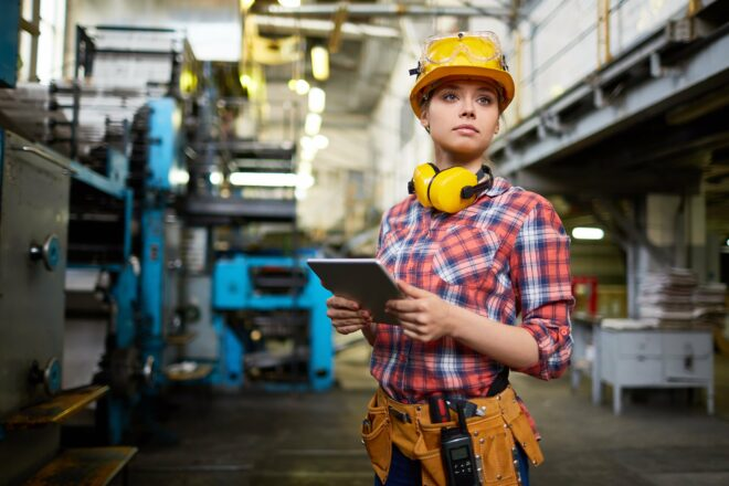 Wie können die Gefahren und Risiken bei der Instandhaltung minimiert werden?