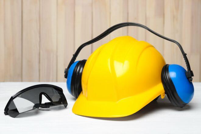 Schutzmaßnahmen für die Instandhaltung: Die richtige Schutzausrüstung verwenden